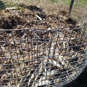 Easy Composting Bin from Livestock Panel